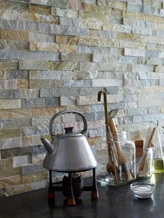 Maxi Oyster Schist splashback from the Splitface collection by Mandarin Stone