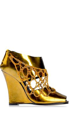Simona Vanth...#shoes #bootie #gold...Please follow my boards. Thanks!