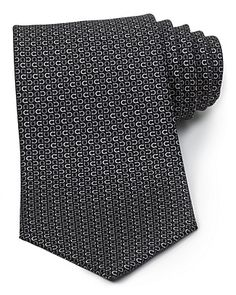 Love the horseshoe pattern on this tie