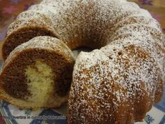 ciambellone gusto ciobar Plum Cake, Chiffon Cake, Mini Desserts, Biscotti, Bagel, Doughnut, Yogurt, Cake Recipes, Cheesecake