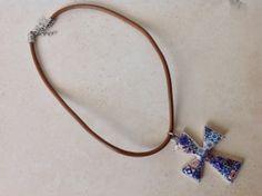 Collar con Cruz Grande y Replica de Azulejos por LasJoyitasDeMarie, $19.50