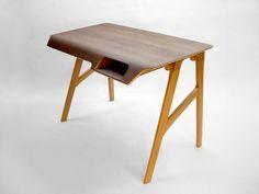 Mis muebles son piezas únicas creadas a partir de materiales encontrados, fruto de la improvisación...