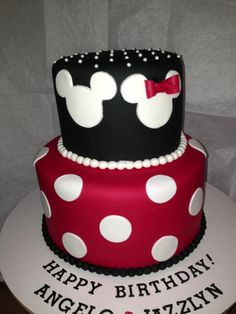 Mickey n Minnie Mouse cake...