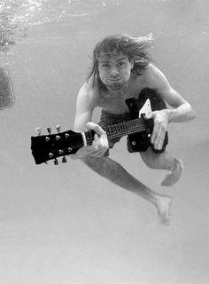 Kurt Cobain -- Guitar Rocking Underwater !