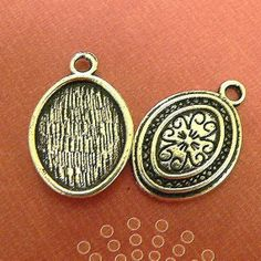 20 Small Oval Double Sided Pendant Blank Drop by FashionableCharms, $7.55