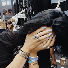 11 Times Kylie Jenner's Manicure Stole The Show 11 Kylie Jenner Nails that Are Shining Examples of the Acrylic Manicure Peinados Kylie Jenner, Style Kylie Jenner, Kylie Jenner Hair, Kendall Jenner, Kyle Jenner, Kylie Jenner Jewelry, Jenner Makeup, Kylie Nails, Acrylic Nails Kylie Jenner