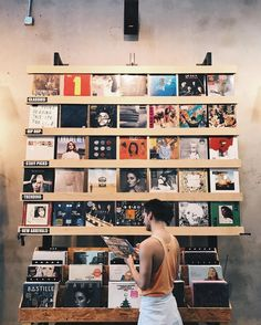 User should feel like they're walking (swiping) through vinyls at contemporary record store Music Aesthetic, Aesthetic Vintage, Vinyl Music, Vinyl Records, Dj Music, Record Players, Foto Art, My New Room, Music Is Life