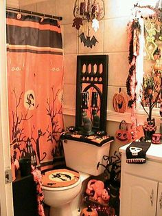 Halloween bathroom on pinterest halloween bathroom for Fall bathroom sets