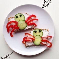 SnapWidget | Edderkopp-skiver til Halloween Spider-breakfast/lunch for Halloween