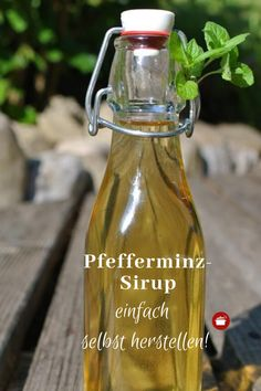 Make peppermint syrup Diy Projects For Beginners, Chicken Feed, Liqueur, Hydroponic Gardening, Kebabs, Preserving Food, Amazing Gardens, Drink Bottles, Outdoor Gardens