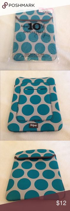 """NWT Thirty-one tote a tablet teal mod dot NWT Thirty-one tote a tablet teal mod dot. 10"""" high, 8"""" across and .5"""" wide. Teal with grey, and a brown lining thirty one Bags"""