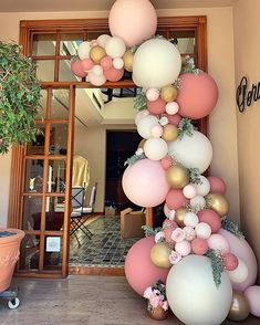 A pretty pink, white and gold balloon garland for an birthday. A pretty pink, white and gold balloon garland for an birthday. Pink Birthday, Birthday Balloons, Birthday Parties, Jumbo Balloons, White Balloons, Bridal Shower Balloons, Wedding Balloons, Baloon Garland, Diy Garland