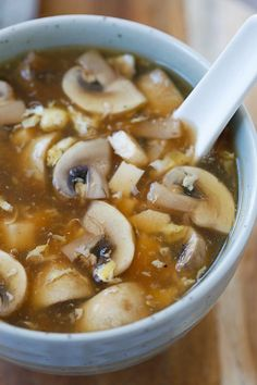 Hot and Sour Soup - the BEST and EASIEST Chinese hot and sour soup recipe ever!! Make with simple ingredients, takes 15 mins and MUCH better than takeout.