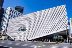 From the instant it opened in September 2015, the Broad (rhymes with 'road') became a must-visit for contemporary-art fans. It houses the world-class collection of local philanthropist and billionaire real-estate honcho Eli Broad and his wife Edythe, with more than 2000 postwar pieces by dozens of …