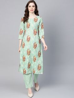 Cotton Saree, Cotton Dresses, Kalamkari Dresses, Kurta Patterns, Neck Designs For Suits, Designer Bridal Lehenga, Kurta With Pants, Kurta Designs, Handmade Dresses