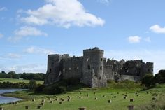 Carew Castle | Dog-Friendly Activities in Pembrokeshire | Quality Cottages | http://www.qualitycottages.co.uk/aroundwales/dog-friendly-days-pembrokeshire/