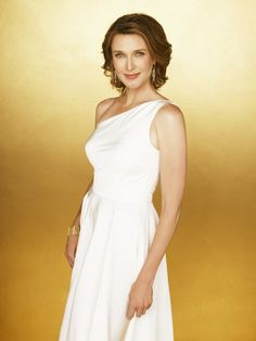 Brenda Strong. Hard to believe this beautiful woman is 52.