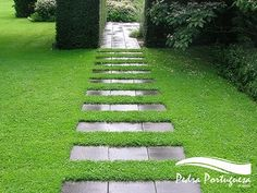 15 Dreamy Stone DIY Garden Paths for Your Backyard Landscape Architecture, Landscape Design, Stepping Stone Pathway, Stone Pathways, Rock Pathway, Paving Stones, Path Ideas, Décor Ideas, Design Jardin