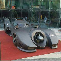 Batman Auto, Batman Batmobile, Batman 1966, Lego Batman, Tesla Electric Car, Electric Car Charger, Weird Cars, Cool Cars, Crazy Cars