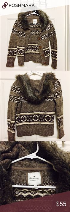 """Knit jacket Gorgeous winter jacket, knit, nylon, polyester, and acrylic materials (see label for more info on material). Can fit kids size M or adult women sizes XXS, XS, S (best fit for Petites). Length from shoulder to hem is 20-21"""" Abercrombie & Fitch Jackets & Coats"""