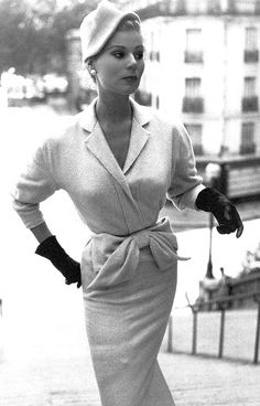 1953 Stella in slim fitting dress of pure cashmere by Lanvin, photo by Jacques Rouchon