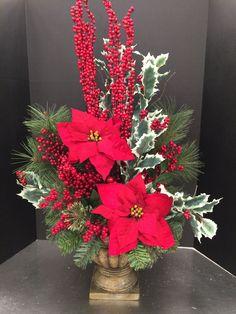 Centerpiece Decorations, Christmas Centerpieces, Xmas Decorations, Christmas Tree Crafts, Christmas Flowers, Christmas Wreaths, Christmas Flower Arrangements, Floral Arrangements, Christmas Wonderland