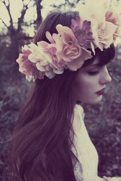 LOVE THE TONE & COLOR! large flower headpiece