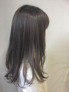 ラベンダーグレイジュ 6V:ブルー 1:2 3% Beige Hair Color, Two Color Hair, Korean Hair Color, Pretty Hair Color, Ombre Hair Color, Ulzzang Hair, Ash Hair, Hair Arrange, Hair Hacks