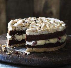 Chocolate brownie meringue cake with raspberry cream perfect for any celebration christmas pavlova Bake Off Recipes, Baking Recipes, Cake Recipes, Dessert Recipes, Desserts, Raspberry Cream Recipe, Raspberry Meringue, Hazelnut Meringue, Chocolate Meringue