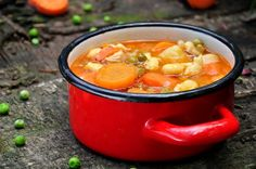 Traditional Hungarian Pea Soup: 1lbs garden peas, shelled  5-6 fresh carrot  4-5 fresh parsnips  4-5 new potatoes  1 onion  2-3 garlic cloves  1 tomato  A piece of long hot pepper  1 chicken back (optional)  ½ tbs Hungarian paprika powder