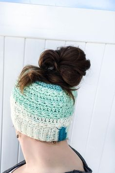 """From the designer: """"Use this crochet pattern to make a crochet messy bun hat that features the beautiful texture of the star stitch. This pattern is written to fit an average adult. Crochet Beanie, Crochet Hats, Modern Crochet Patterns, Crochet Ideas, Crochet Projects, Crochet Designs, Drops Patterns, Hat Patterns, Blanket Patterns"""