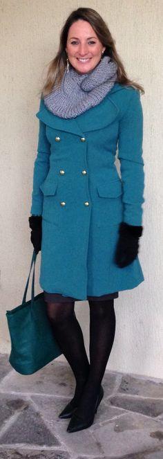 Look do dia - look de trabalho - moda corporativa - look de inverno - winter outfit - fall - casaco verde - bolsa verde - green - skirt - saia lápis - meia calça preta -