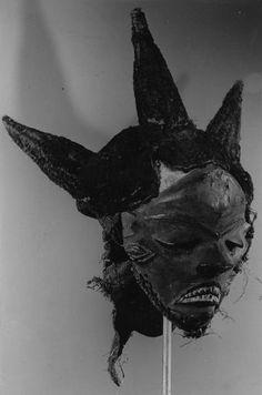Pende Pumbu Mask, DR Congo…