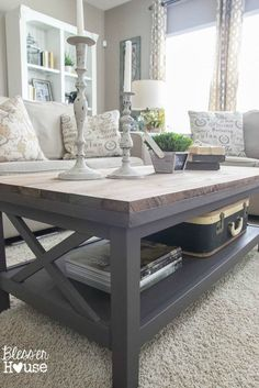 Barn Wood Top Coffee Table Bless'er House - Gorgeous way to cover up a scratched, peeling veneer coffee table top! Home Living Room, Apartment Living, Living Room Decor, Cozy Apartment, Living Room Tables, Coffee Table Living Spaces, Living Room Curtains, Casa Clean, Diy Coffee Table