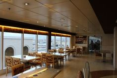 MSC Sinfonia: un restyling coi fiocchi Msc Cruises, Travelling Tips, Terrazzo, Buffet, Conference Room, Home Decor, Cow, Decoration Home, Room Decor