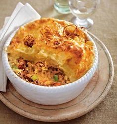 The recipe for sauerkraut-hack casserole with Püreehaube and other free R . Low Carb Recipes, Baking Recipes, Sauerkraut Recipes, Food Gallery, Tasty, Yummy Food, Paleo Dinner, Daily Meals, Macaron