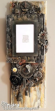 Mixed Media Place: Mixed media frame by Nirvana Mixed Media Collage, Mixed Media Canvas, Inka Gold, Art Basics, Diy Resin Crafts, 3d Wall Art, Encaustic Art, Distressed Painting, Mail Art