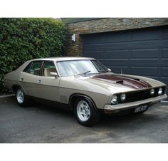 XB Falcon GT Just like my dads but mine is more tuffer possibly but I am not under estimating this Australian Muscle Cars, Aussie Muscle Cars, Chevy Motors, Ford Girl, Custom Muscle Cars, Ford Falcon, Car Photos, Hot Cars, Motor Car
