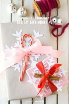Snowflake Gift Wrapping Ideas for Christmas