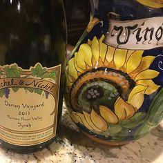 Che Syrah Syrah... what will be is a fun evening. #vin #vinobuono #wine #winegeek #wineporn #winepic #finewine #nickelandnickel #syrah #buonanotte