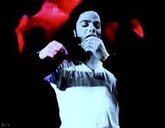 Michael Jackson - Earth Song O Pop, Michael Jackson Quotes, Earth Song, Mike Jackson, Jackson's Art, King Of Music, Beautiful Smile, My Heart Is Breaking, Great Pictures