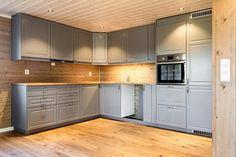 TVERRLIA / NESFJELLET - Ny romslig hytte med 5 soverom og 2 bad