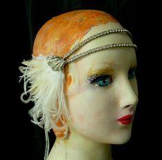 I want this flapper headband.