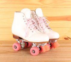 Roller Skate Shoes, Quad Roller Skates, Roller Derby, Roller Skating, Rolling Skate, E Quad, Rio Roller, Penny Skateboard, Skater Girls