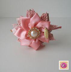 Tiara flor rosa com renda