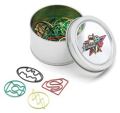 Let the Justice League bring organization to your paperwork with these Justice League Paper Clips. You get 40 total: 10 each of Batman, The Flash, Green Lantern, and Superman. Figuring out how to dole them out is part of the fun. Gadgets, Justice League, Batman Green Lantern, Comic Wedding, Cute School Supplies, Fun Office Supplies, Geek Decor, School Stationery, Stationery Store