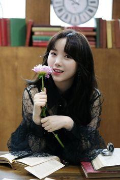 #kei Cute Korean Girl, South Korean Girls, Korean Girl Groups, Lovelyz Kei, Lotte World, Moves Like Jagger, Music Charts, Woollim Entertainment, Blue Square