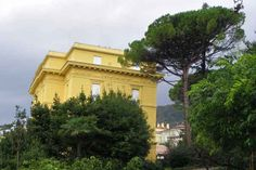Opatija Mansions, House Styles, Home Decor, Viajes, Simple, Nice Asses, Decoration Home, Manor Houses, Room Decor