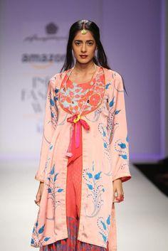 #AIFW #AW15 #AIFWAW15 #IndianFashion #AnupamaDayal #Net #Indian #Flowers #Floral #Sufi #Vibrant #Boho
