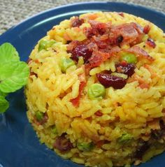 Arroz Navideño o Relleno para Pavo: Arroz Navideño Side Recipes, Healthy Recipes, Colombian Food, Holiday Dinner, Rice Dishes, Thanksgiving Recipes, Mexican Food Recipes, Easy Meals, Food And Drink